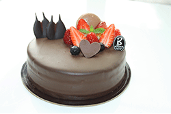 Pastry  Chocolate Berry Whole 6 inches - 7inches